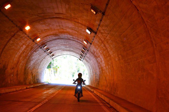 トンネル内はひんやり