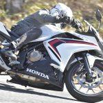 ありそうでなかった? CBR400Rは走ることの楽しさを『正しく』教えてくれる400ccのバイクです!【ホンダの道は一日にして成らず 第3回/Honda CBR400R 中編】